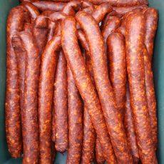 Mangalica Füstölt kolbász csípős fűszerpaprikával  - közepesen száraz - 1 pár kolbász kb 0,4 kg-os  -  5400 Ft/kg